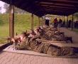 Zajęcia strzeleckie na strzelnicy w Warce